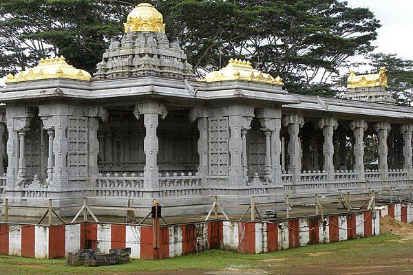 Kauai's Hindu Monastery & Temple