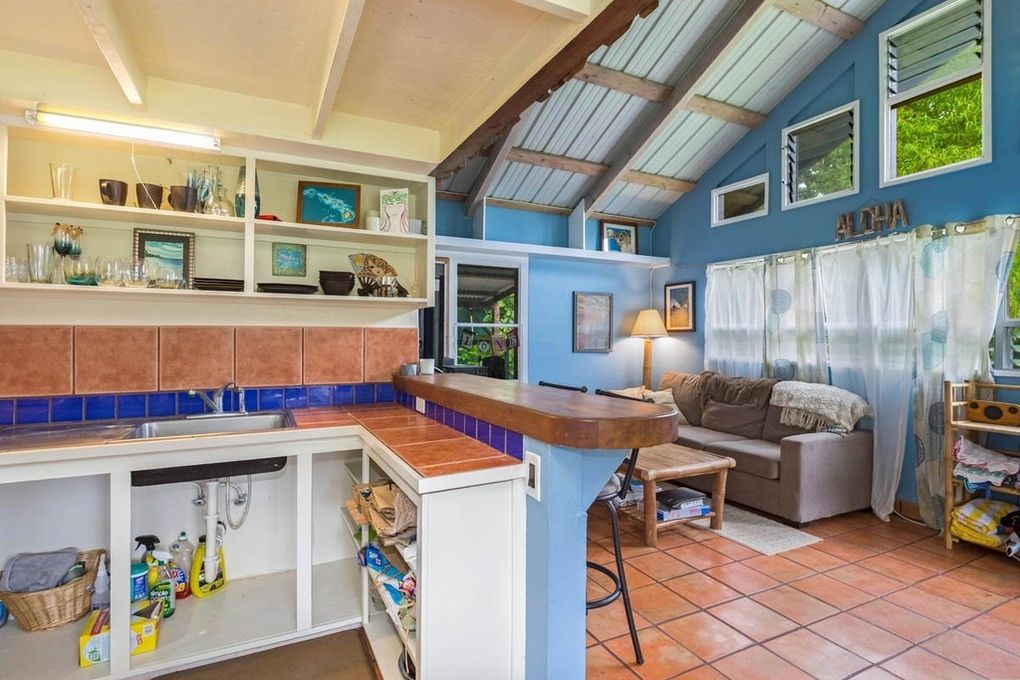 Makana Aloha Haena Rental kitchen