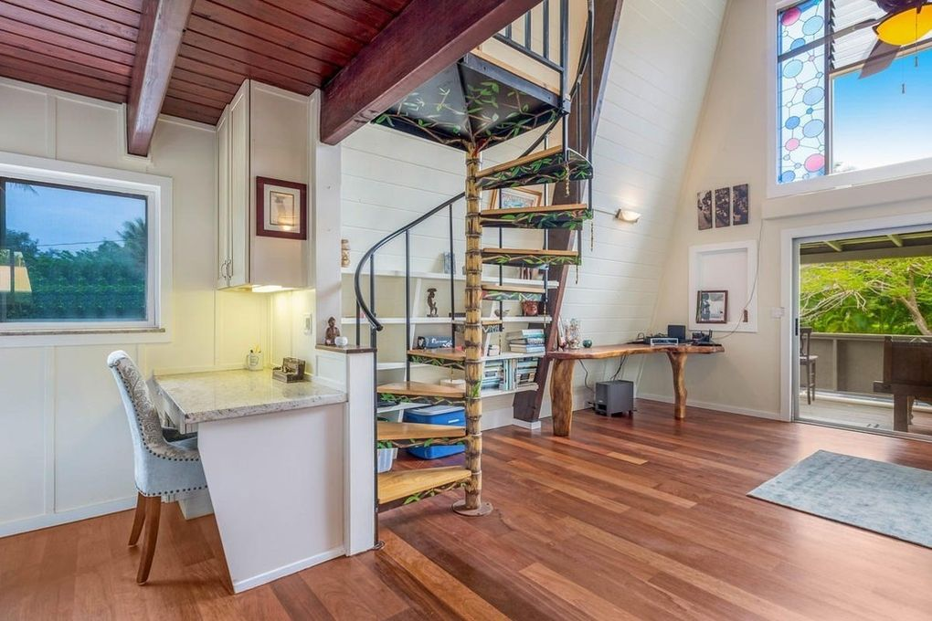 Makana Aloha Haena Rental spiral staircase