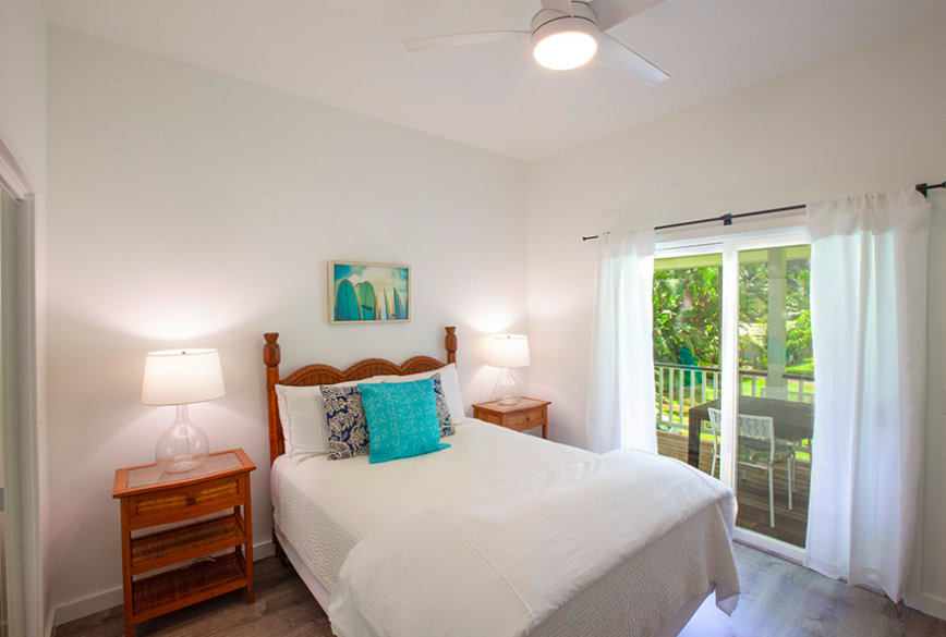 Kalihiwai Beach House rental guest bedroom
