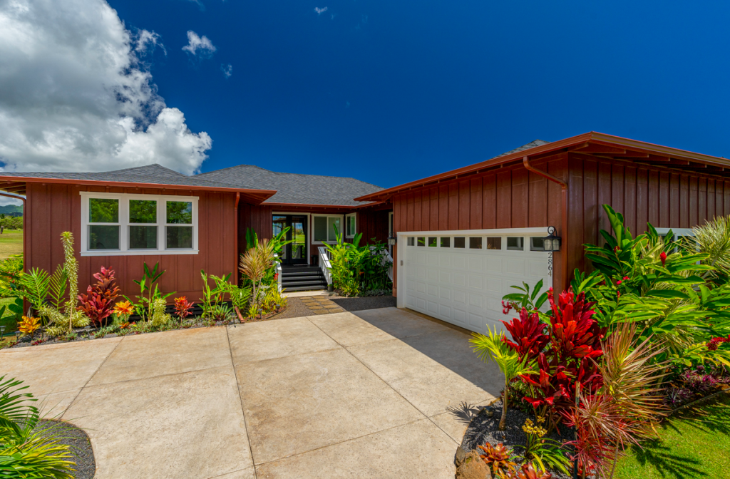 Kolepa Kai Poipu Rental garage and entry