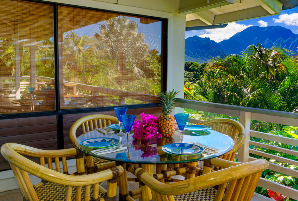 Kekua Princeville Vacation Rental outdoor dining