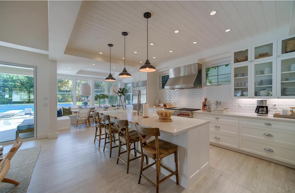 Makana Pool House Princeville kitchen island
