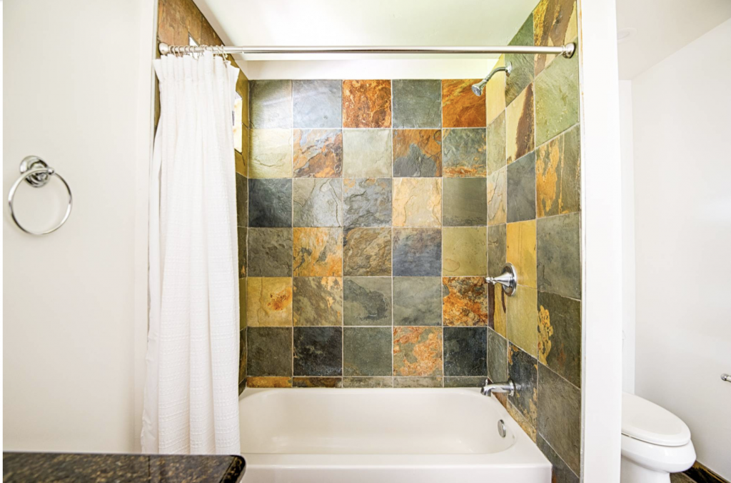 Hale Kauai Haena rental bathroom